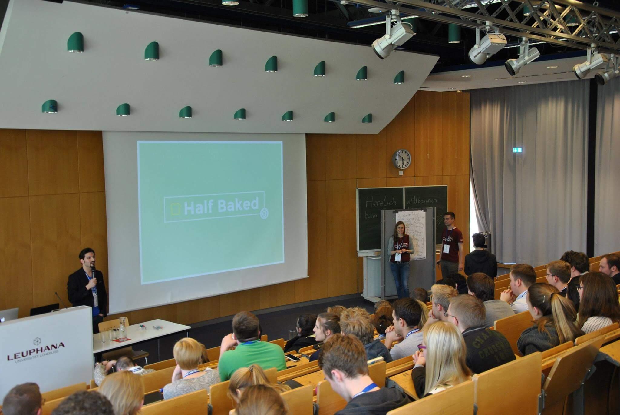 Startup Weekend Lüneburg 2016 moderated by Serhat Kaya